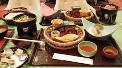 ホテル櫻井 和食善+ハーフバイキング